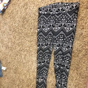 Victoria Secret PINK patterned leggings